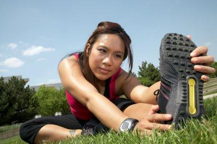 Dehnen Stretching vor dem Lauf Training oder Krafttraining