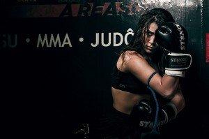 Frau Fitnessmodel Boxerin MMA