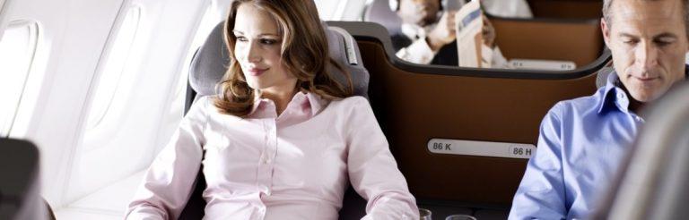 Fit reisen: 11 ungewöhnliche Kraftübungen fürs Flugzeug