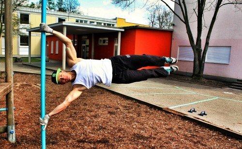 Calisthenics Street Workout Baristi Barstarzz Muskelaufbau Training ohne Geräte