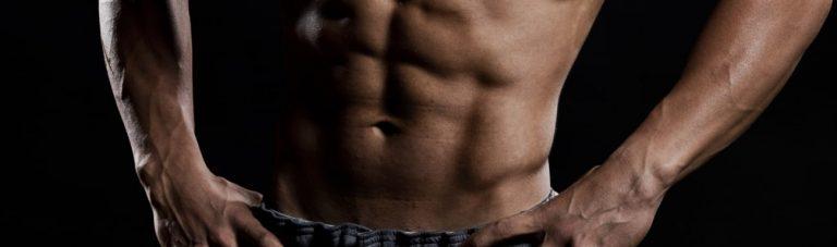 Warum Du erst Fett abbauen und dann Muskeln aufbauen solltest