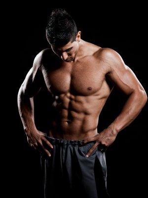 Erst Fett abbauen, dann Muskeln aufbauen. Fettabbau kommt vor Muskelaufbau