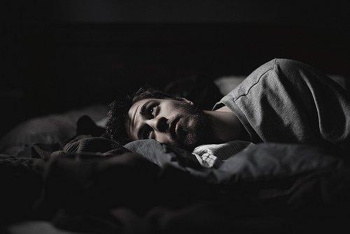 Stress Schlafmangel Schlafstörungen