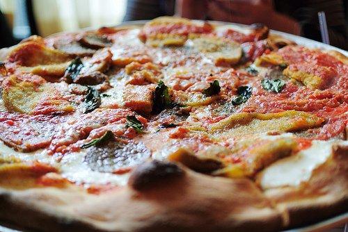 Kohlenhydrate + Fett - Pizza