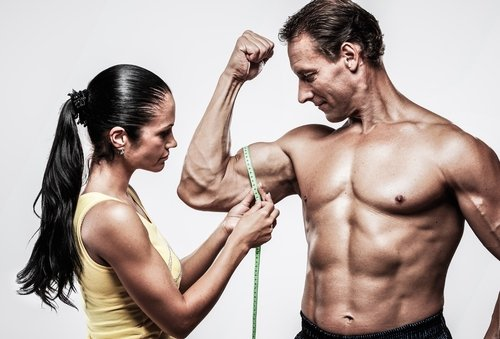 Abnehmen und Muskelaufbau sind verwandt