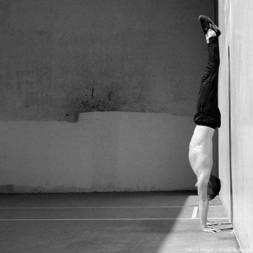 Handstand lernen in 48 Stunden (oder weniger) – Die ultimative Anleitung