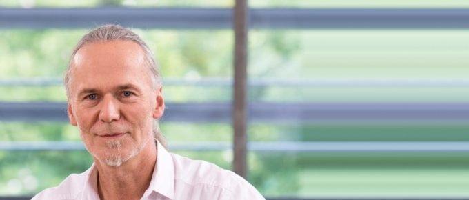 Wie Faszien-Fitness Cellulite beseitigt und Muskeln definiert – mit Dr. Robert Schleip